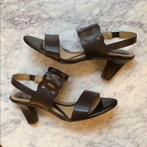 Naturalized N5 Comfort Brown Heels; Size 9